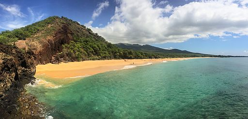 By dronepicr (Hawaii Maui Makena Big Beach) [CC BY 2.0], via Wikimedia Commons